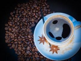 La cafeína puede empeorar la pérdida de audición relacionada con el ruido
